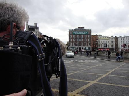 'Cue the tramp' Op zoek naar daklozen op de brug aan het einde van O'Connell Street