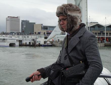 Arjen neemt boot geluiden op voor het radio verslag, with The Hat