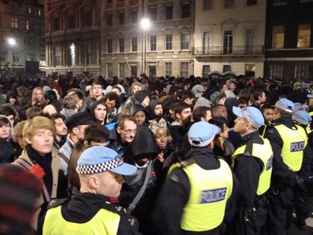 Honderden studenten wachten tot ze vrijgelaten worden