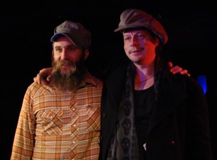 Ben Prestage en Ian Siegal nemen afscheid na het optreden