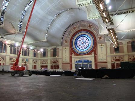 De grootse hal in Alexandra Palace waar ruim 10.000 mensen in passen